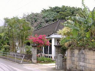沖縄らしい家.jpg